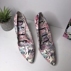 Elle Lovely Women's Floral Pump Heels Shoes Sz 9.5